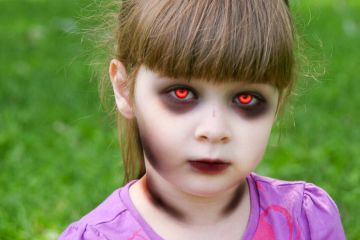 demonic_child_by_raveassassin-d7d6p03